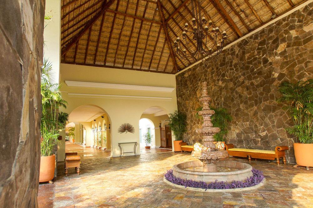 hotel trot honeymoon special mexico - Valentin Imperial Maya Dress Code